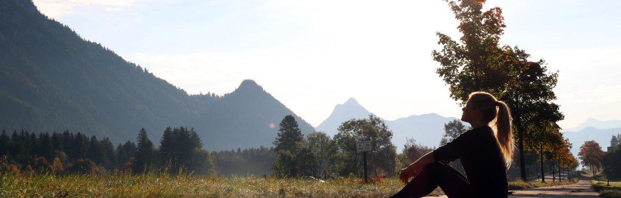 Erste Laufrunde mit Blick auf die Berge © Annabelle Klage