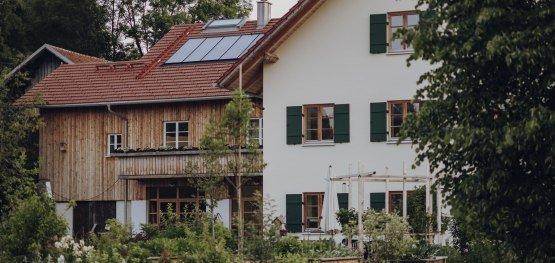 Einen Althof so gut wie möglich energetisch zu sanieren war die Zielsetzung der Eigentümergenossenschaft Immenthal © Allgäu GmbH, Philip Herzhoff