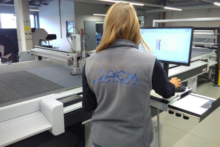 Einstellen der Cutting-Maschine © Allgäu GmbH