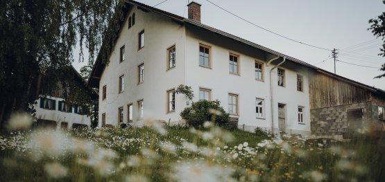 Programme der KfW helfen unter anderem bei der energetischen Sanierung der Fenster © Allgäu GmbH, Philip Herzhoff